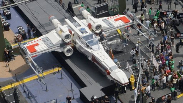 x-wing-times-square-lego-afp
