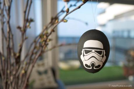 Stormtrooper-painted-hanging-eggs
